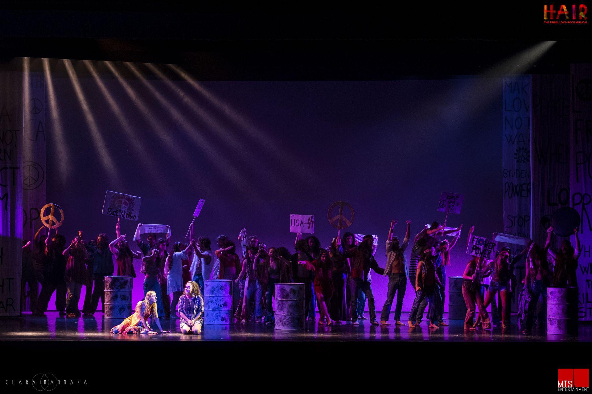 HAIR il musical, di Gérome Ragni e James Rado, music Galt MacDermot. Produzione 2019-20 MTSenterteinment in collaborazione con la Compagnia della Rancia